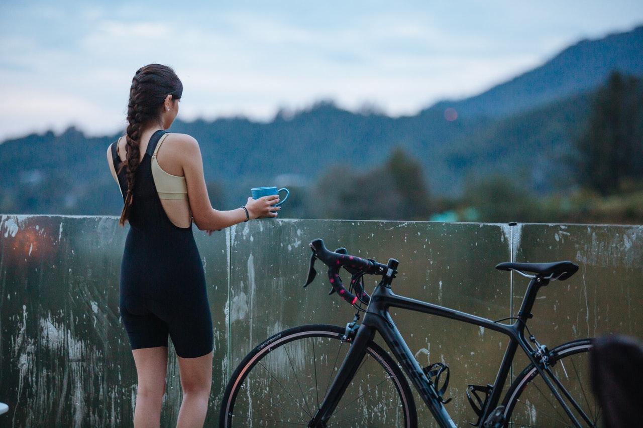 Principais passatempos femininos divertidos e saudáveis (Foto de Munbaik Cycling Clothing no Pexels)